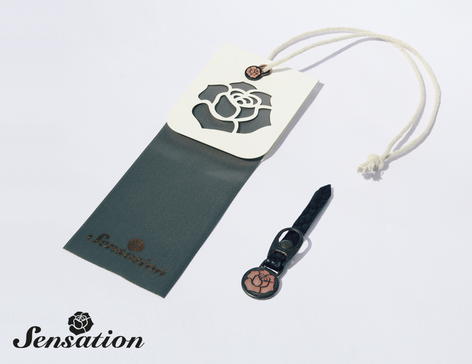Sensation // hangtag jeans & zipper puller